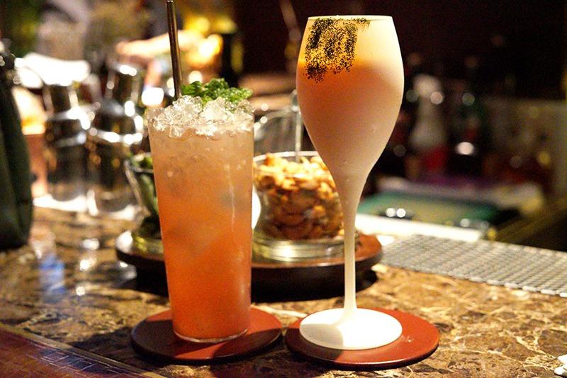 Bar Review: The Bamboo Bar at Mandarin Oriental Bangkok Hotel